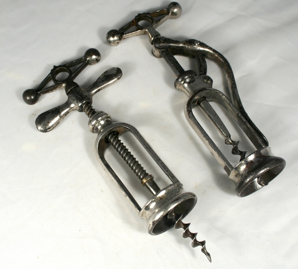 Pair Perille Corkscrews with Crown Top
