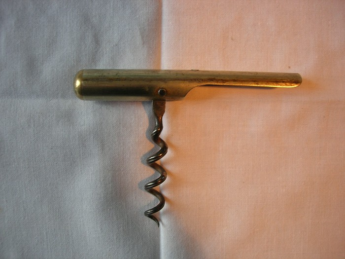 Corkscrew with apple corer