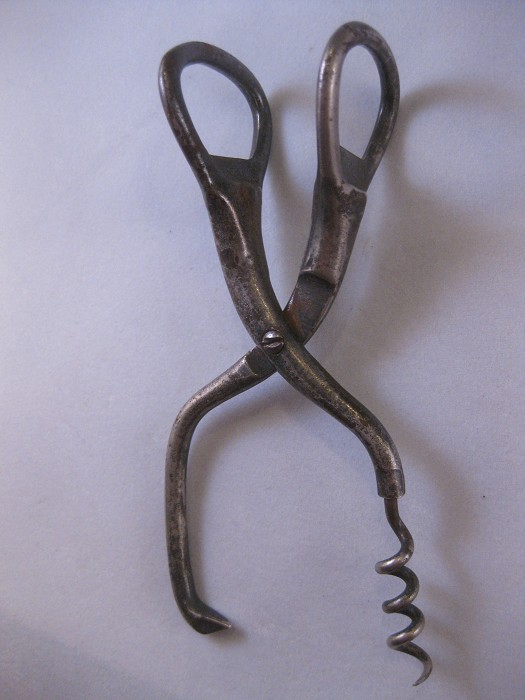 Arnof US Patent 1933 corkscrew combination