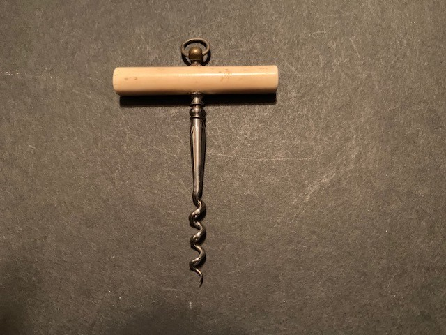 Miniature T screw with Cylindrical Bone Handle